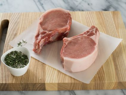 Free Range Naturally Raised Iowa Pork Chops (4 PER PACK)